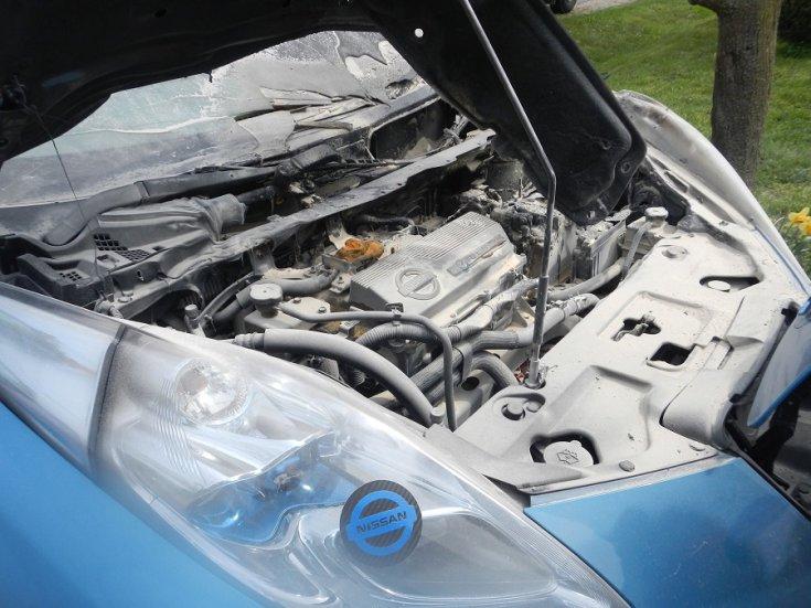 kiégett Nissan LEAF motortere