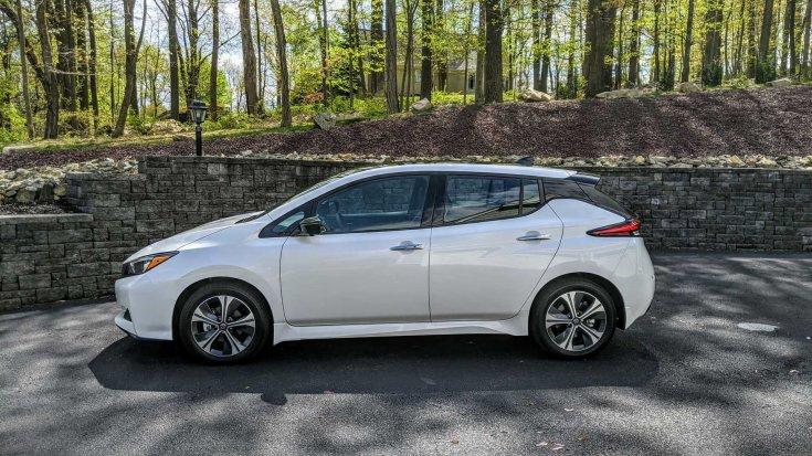 2020-as Nissan Leaf SL+ oldalról