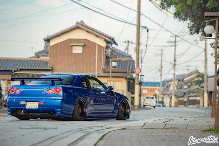 Nissan R34 GT-R tuning hátulról