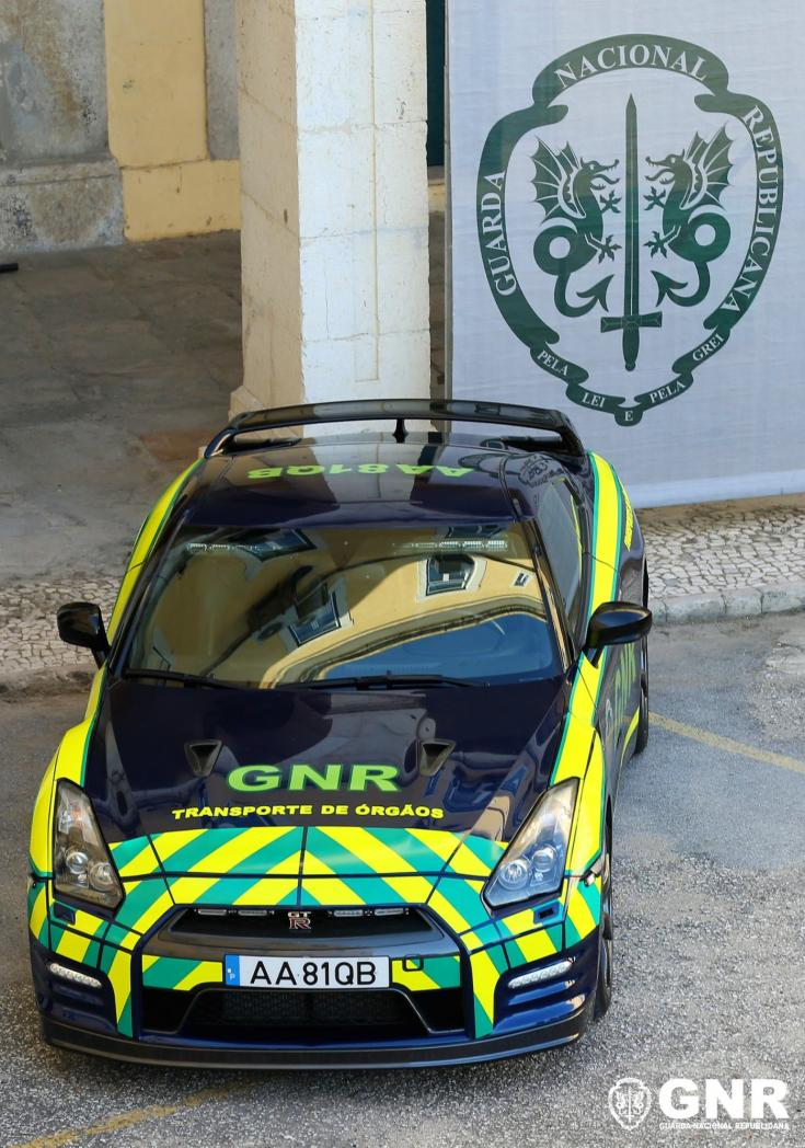 Szervszállításra befogott Nissan GT-R
