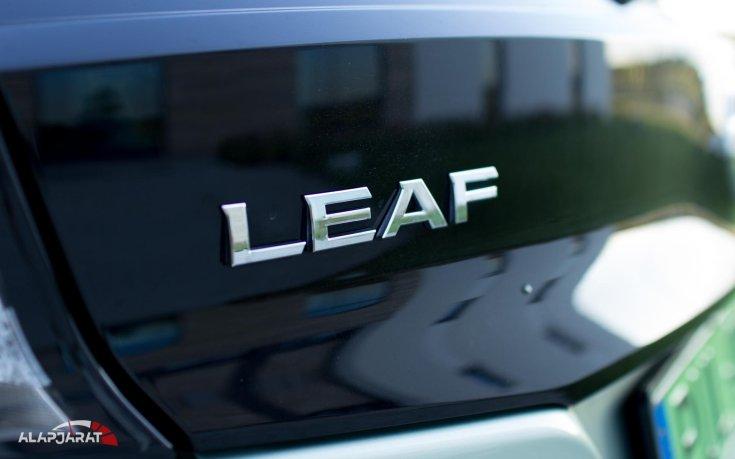 Nissan Leaf felirat