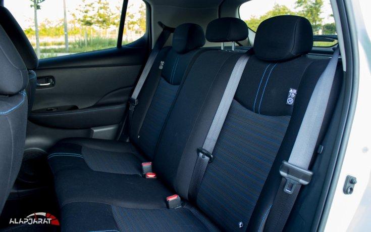 Nissan Leaf hátsó ülések