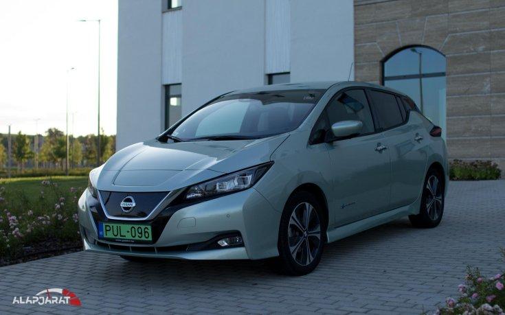 Nissan Leaf elölről
