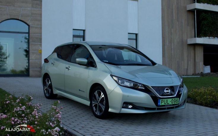 Nissan Leaf szemből
