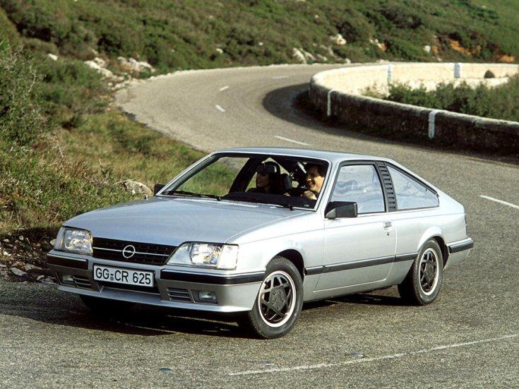 Opel Monza A2 úton