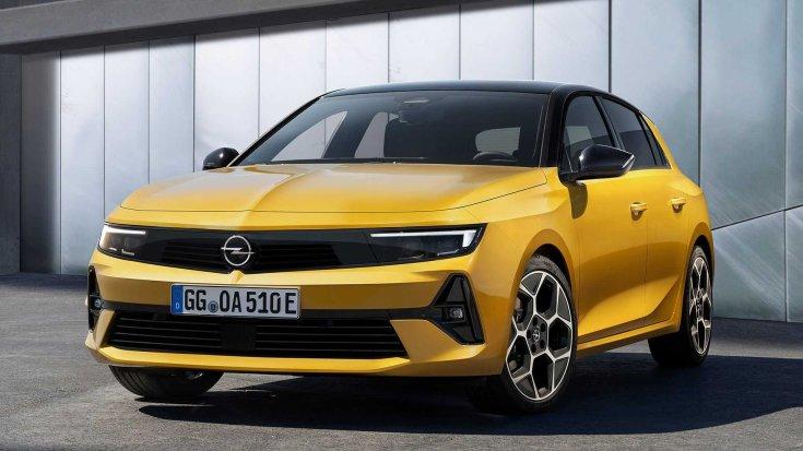 2021-es Opel Astra elölről