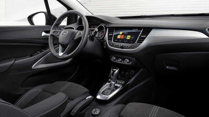 Új 2021-es Opel Crossland modell belső tere