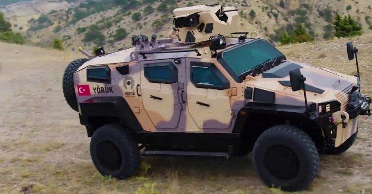 Török felségjellel ellátott páncélozott harci jármű