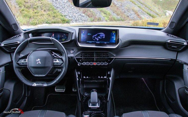 Peugeot e-2008 teszt