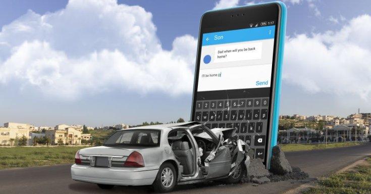 mobiltelefonálás okozta baleset