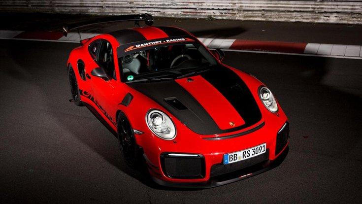 A rekorder Porsche 911 GT2 RS felülről fotózva