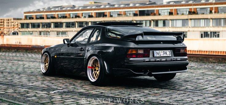 Porsche 944 oldalról