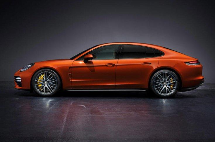 Porsche Panamera 2021 oldalról