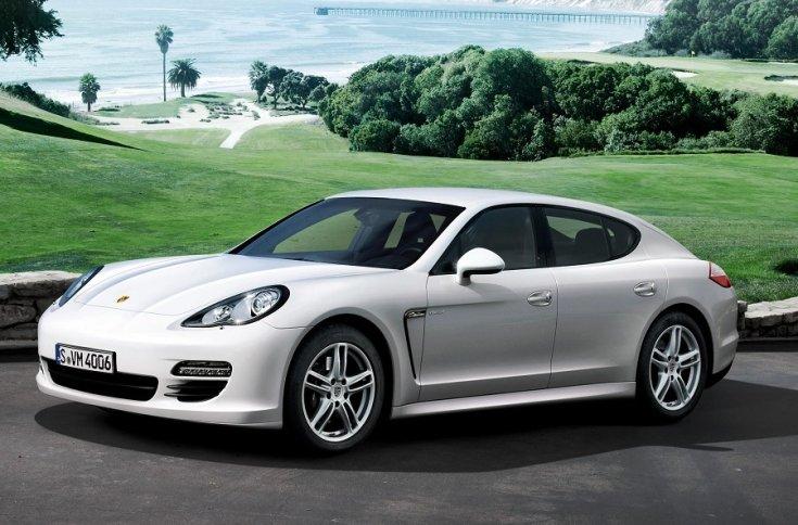 fehér Porsche Panamera