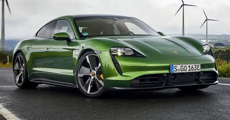 2020-as Porsche Taycan Turbo S elölről