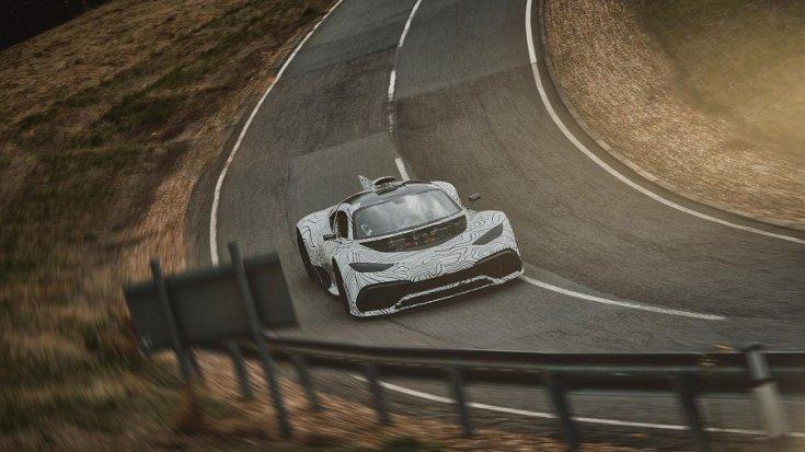 Mercedes-AMG Project One prototípus versenypályán