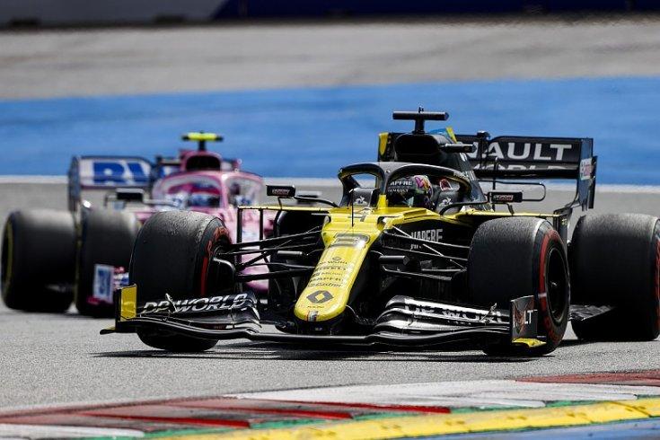Renault, mögötte egy Racing Point