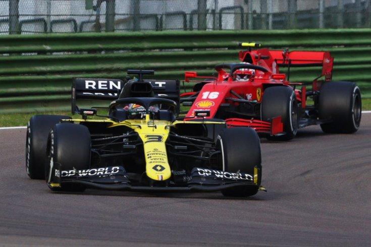 Daniel Ricciardo és Charles Leclerc a szezon harmadik olaszországi futamán egymás után