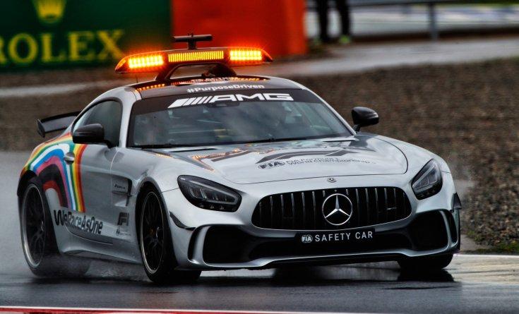 A jelenlegi Mercedes-AMG Safety Car a Forma-1-ben, Bernd Mäylander vezetésével
