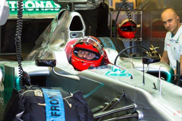 Michael Schumacher a Mercedes volánja mögött