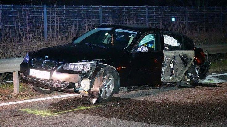 Sérült BMW az M5-ös autópályán
