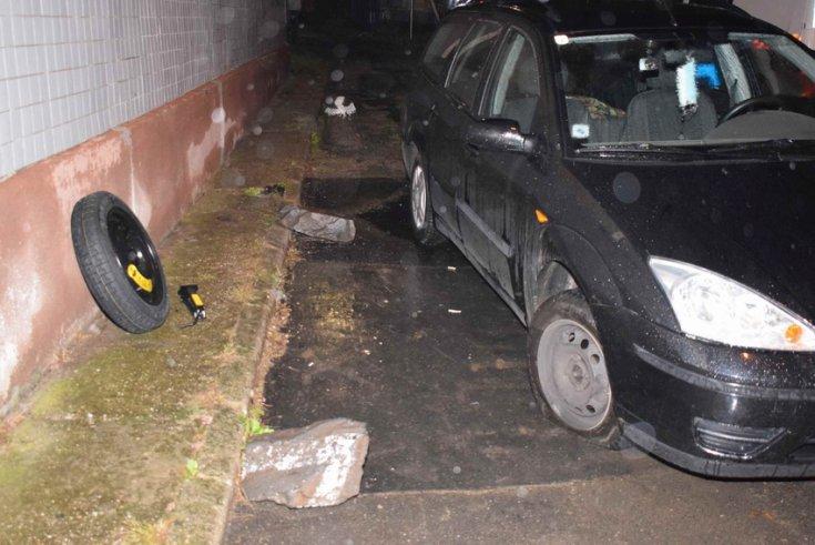 Balesetben érintett Ford típusú személygépkocsi