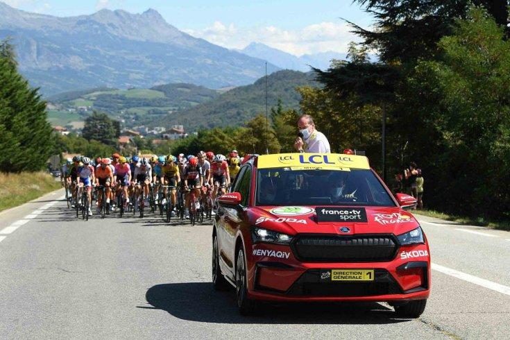Škoda Enyaq iV a 2020-as Tour de France mezőnye előtt