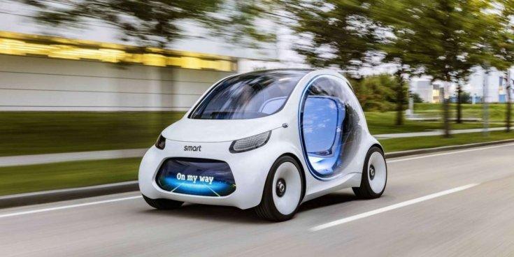 a Mercedes és a Geely által közösen fejlesztett Smart EV szemből, menet közben