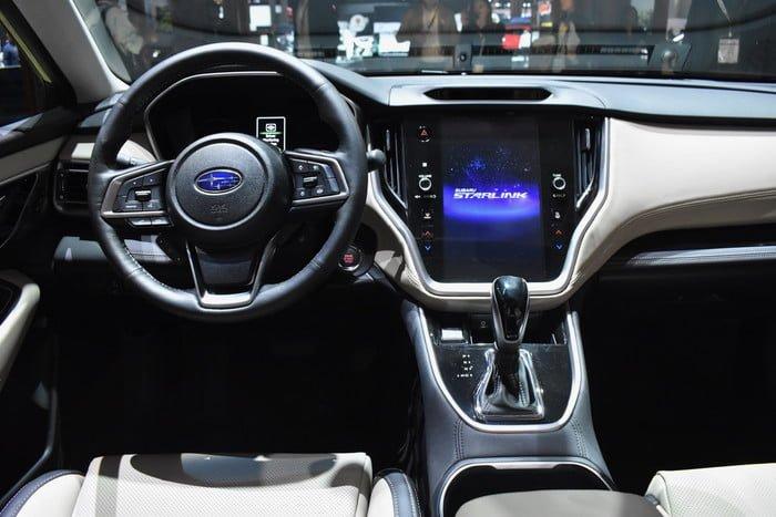 Subaru Outback 2020 belső