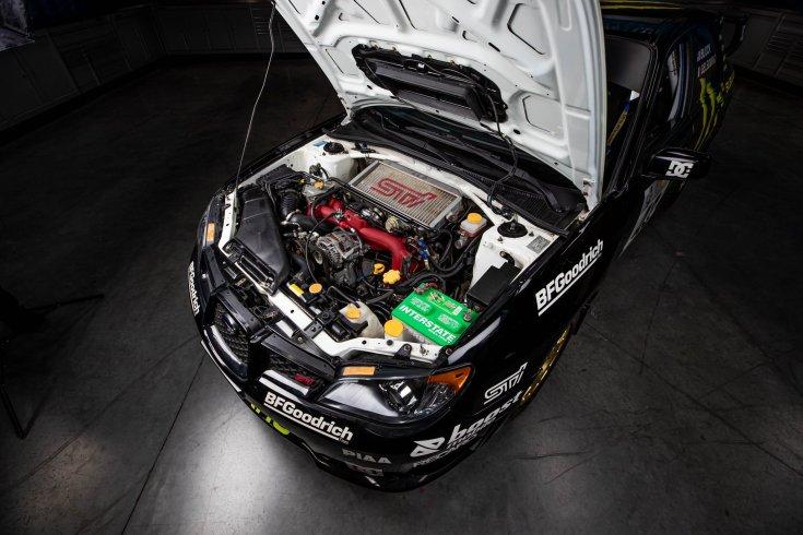 Ken Block Subarujának motortere