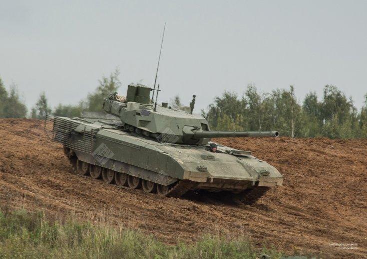 T-14 Armata, hadgyakorlaton, felirattal