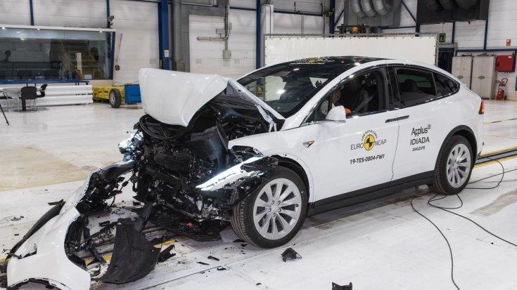 Tesla Model X Euro NCAP törésteszt