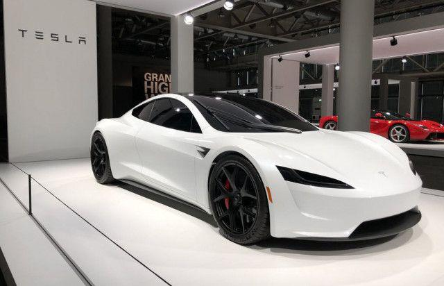 Tesla Roadster elektromos autó