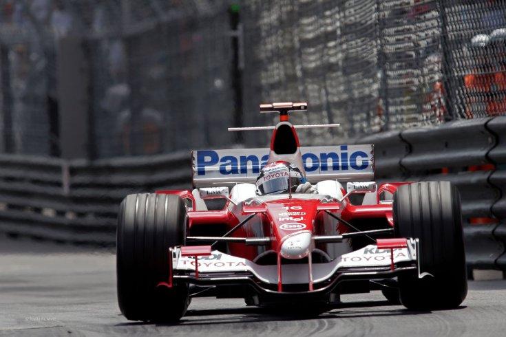 Jarno Trulli Toyotával a 2005-ös Monacói Nagydíjon