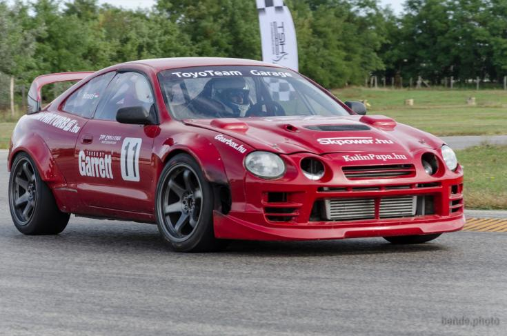 Toyota versenypályán