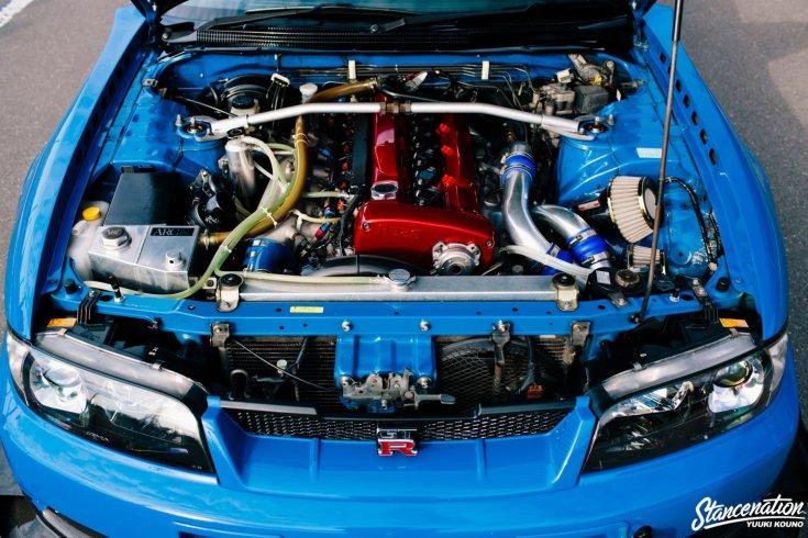 Shinichiro Shirasaka Nissan Skyline R33 GTR-jének motortere
