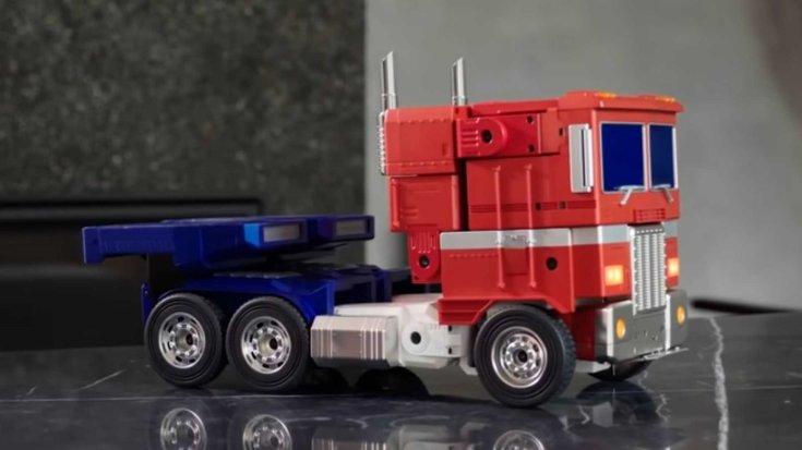 Optimus Prime minirobot oldalról