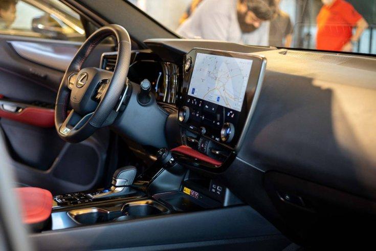 Az új Lexus NX utastere