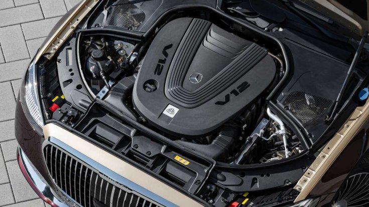 V12-es motor