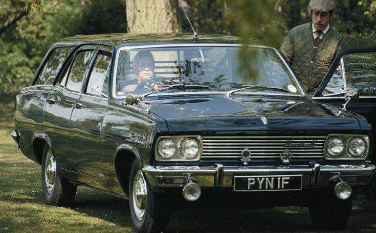 Vauxhall Cresta, zöld kombi, királynő vezeti