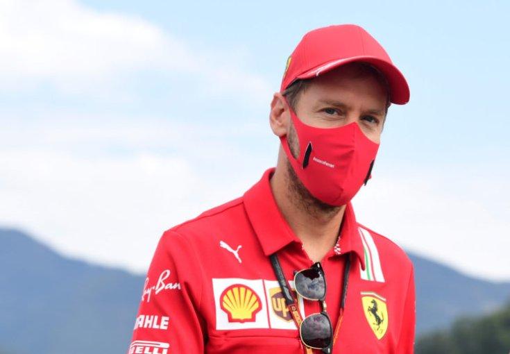 Vettel sapkában