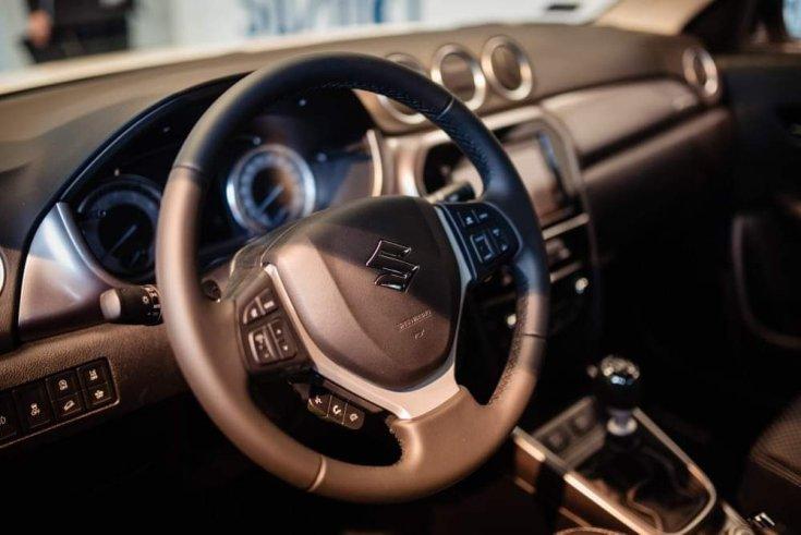 Suzuki Vitara utastere