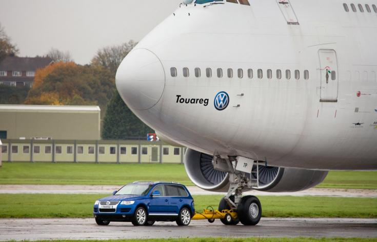 Volkswagen Touareg 5.0 V10 TDI és Boeing 747
