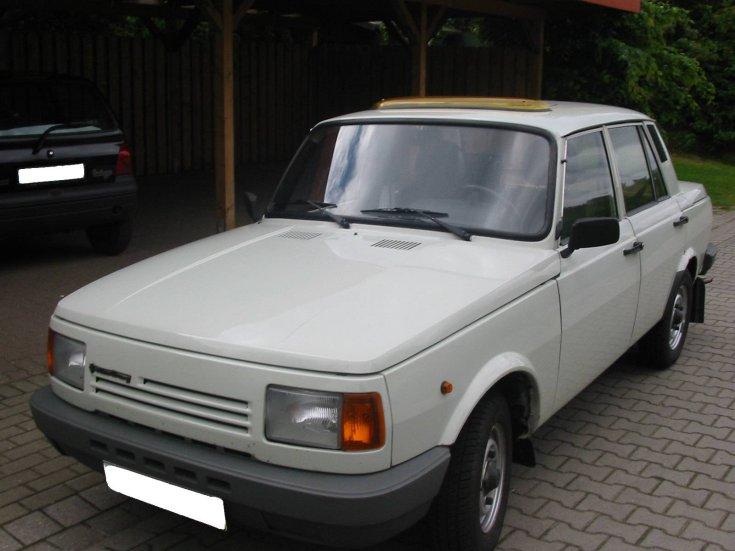 Fehér színű Wartburg