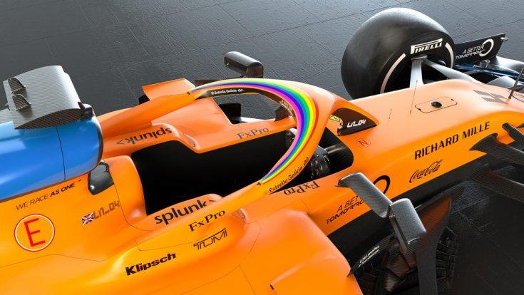 WeRaceAsOne logó egy McLarenen