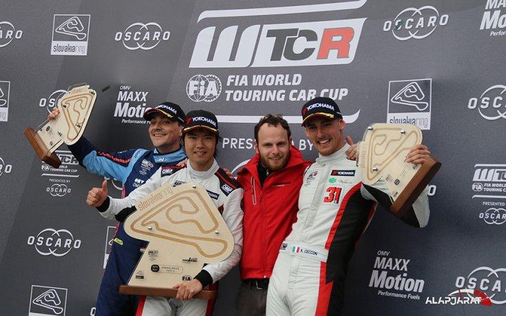 2019-es WTCR szezin Szlovákiaringen tartott harmadik versenyének pódiuma
