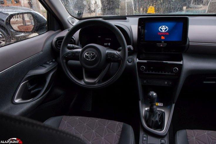Toyota Yaris Cross beltér