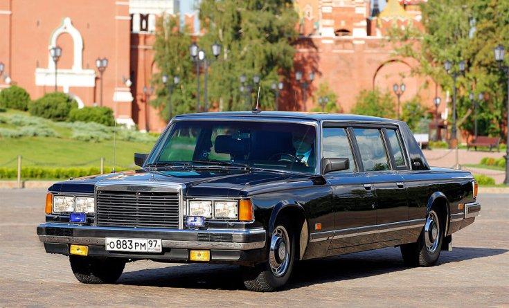 Zil 41052, orosz utcán