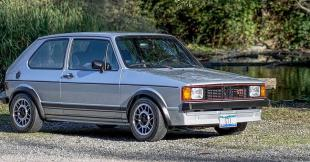 Az 1983-as VW Golf GTI a tóparton