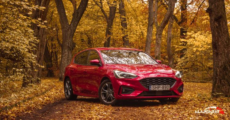 2020-as Ford Focus elölről